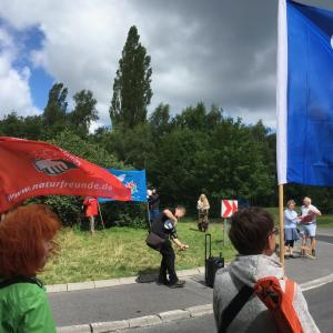 NaturFreunde demonstrieren am Fliegerhorst Büchel